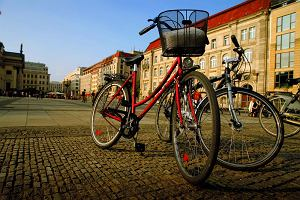 """Berlin i okolice na rowerze. Mur, jeziora, kanały, """"Most Szpiegów"""" i clubbing"""