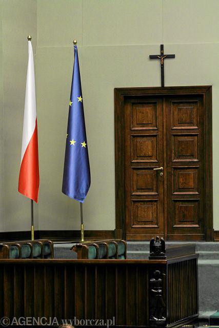 Krzyż w sejmowej sali posiedzeń