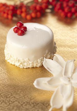 Mus z białej czekolady z konfitura jarzębinową