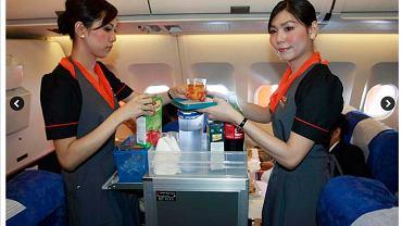pierwszy lot z transseksualnymi stewardessami