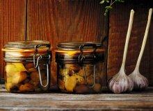 Czosnek w oliwie - ugotuj