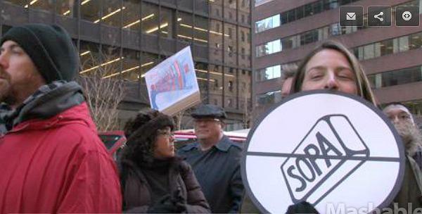Protest przeciwko ustawom SOPA i PIPA, który odbył się w Nowym Jorku