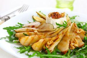 Sałatka z rukoli, gruszki i orzechów włoskich