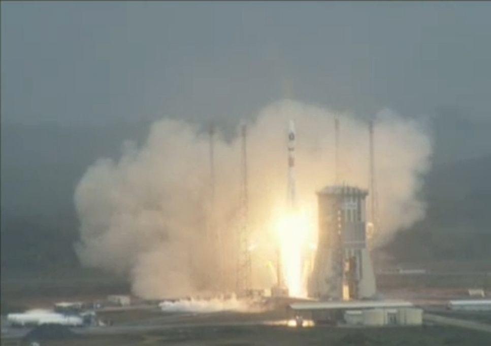 Start rakiety VEGA z polskim satelitą PW-Sat