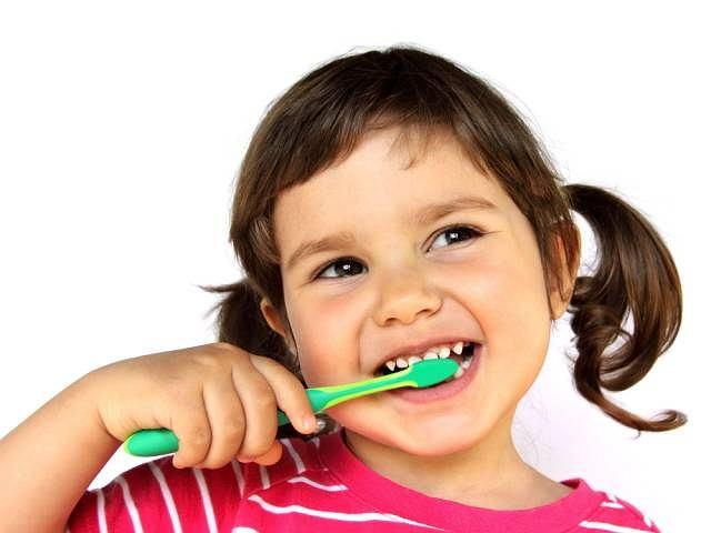 Próchnica niszczy zęby u coraz młodszych dzieci.