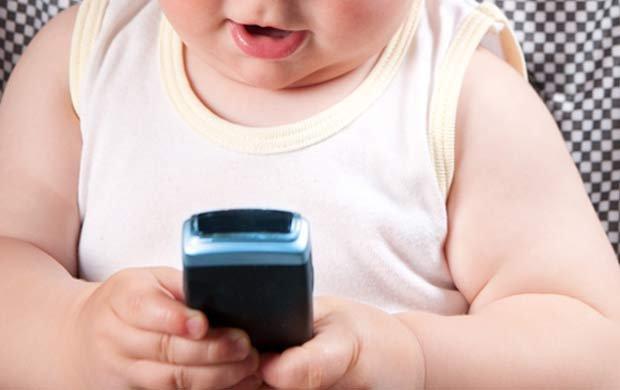 Kiedy kupić dziecku telefon?