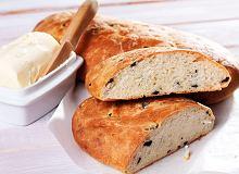 Francuski chleb z oliwkami i tymiankiem - ugotuj