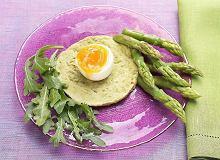 Jajka na kremie ze szparagów - ugotuj