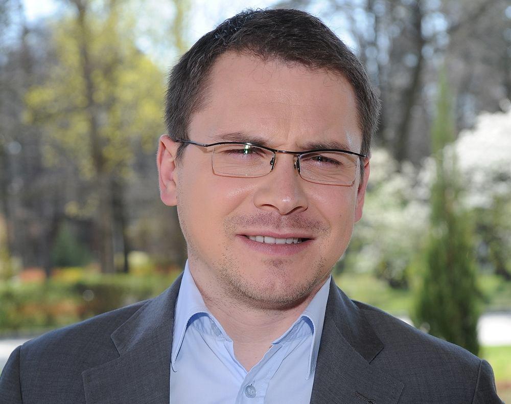 Przemysław Iwańczyk - komentator Polsatu Sport, dziennikarz Sport.pl, biega, jeździ na rowerze i dlatego może dużo jeść