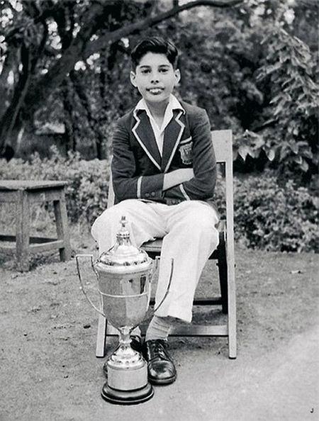 młody Freddie Mercury