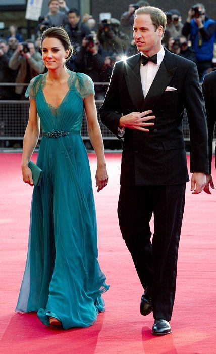 Britain's Prince William and Catherine, Duchess of Cambridge arrive for the 'Our Greatest Team Rises' event to celebrate TeamGB and ParalympicsGB at the Royal Albert Hall, in central London May 11, 2012.   REUTERS/Alastair Grant/Pool     (BRITAIN - Tags: ENTERTAINMENT SOCIETY SPORT OLYMPICS ROYALS)