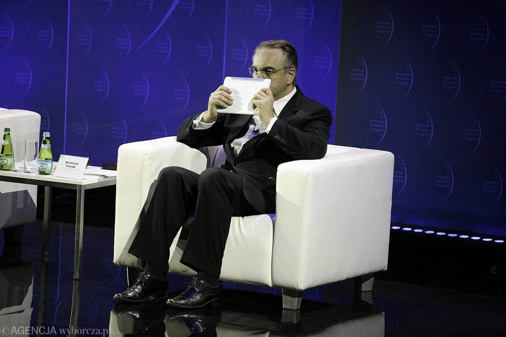 Waldemar Pawlak podczas inauguracyjnego panelu. Europejski Kongres Gospodarczy