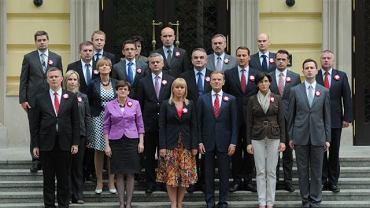 Rząd Donalda Tuska przed Kancelarią Prezesa Rady Ministrów, 5 maja 2012 r.