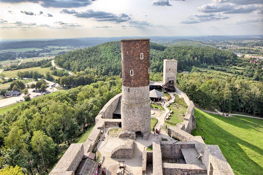 Zamek w Chęcinach – zamek królewski z przełomu XIII i XIV wieku, fot. Shutterstock