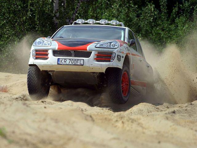 Porsche Cayenne Transsyberia załogi Łukasz Komornicki - Rafał Marton