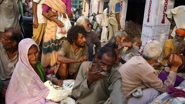 Delhi; Są chętni spedzający wakacje na oglądaniu takich widoków