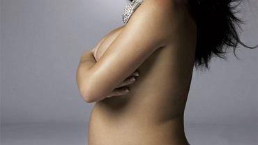 Britney Spears w ciąży fot. Harper's Bazaar sierpień 2006  - skan własny