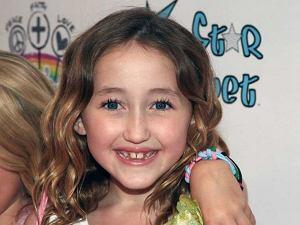 Noah Cyrus pojawiła się na imprezie Rainbow and Lollipops Celebrity Launch.