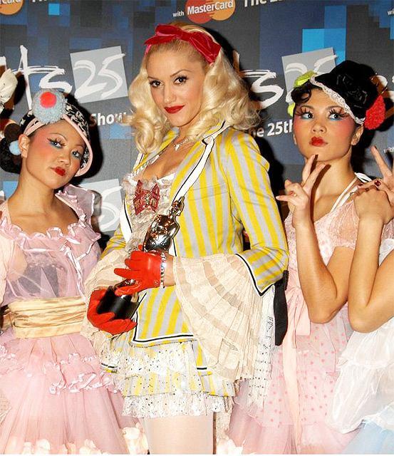 Gwen Stefani i Harajuku Girls fot. East News