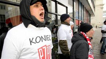 Protest przed zjazdem PZPN w Warszawie
