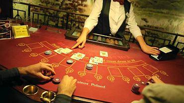 W zgodzie z prawem jest tylko gra z krupierem albo na zorganizowanym w koncesjonowanym kasynie turnieju