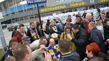 Były szwedzki sportowiec odsłonił w Toruniu własną ulicę - teraz to ul. Pera Jonssona