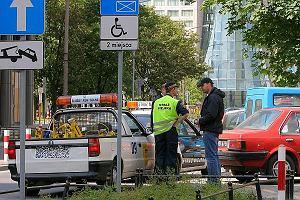 Gwiazda też człowiek. Co jednak myślicie o parkowaniu samochodów na miejscach dla inwalidów? Czy nasze rodzime gwiazdy nie czują się jakby za swobodnie? Oto kilka przykładów...