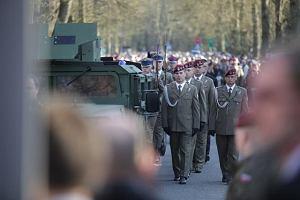 Rzeczy, które powinieneś wiedzieć o umawianiu się z wojskowym