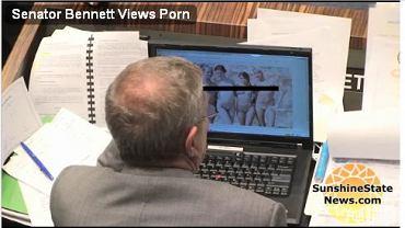Senator Benneta ogląda porno w pracy