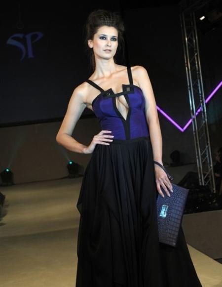 Finał konkursu Fashion Designer Awards 2010 - suknia z kolekcji Sabriny Pilewicz