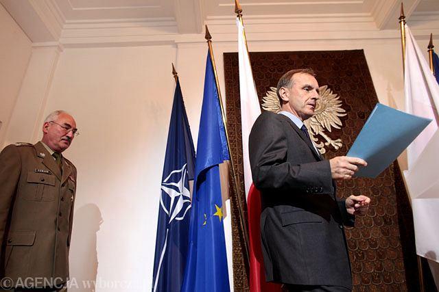 Minister Bogdan Klich i generał Mieczysław Cieniuch
