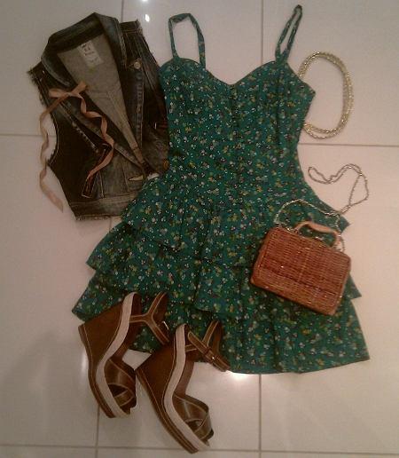 sukienka - Zara TRF, kamizelka - Bershka, koszyk - vintage, sandałki na koturnie - Aldo, opaska - second hand;