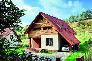 Dom na zboczu nadwarciańskiej dolinki