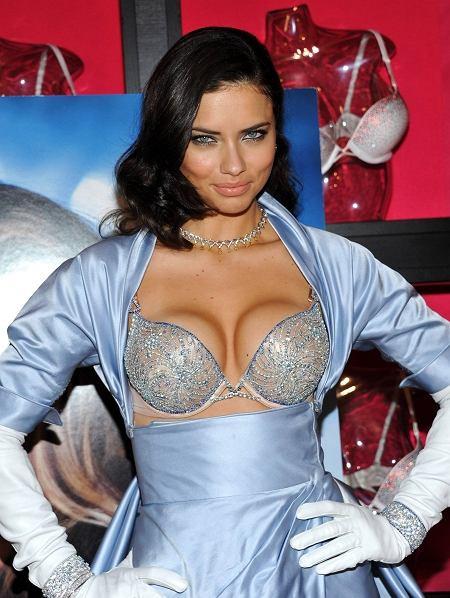 Adriana Lima w Bombshell Fantasy Bra warty 2 miliony dolarów
