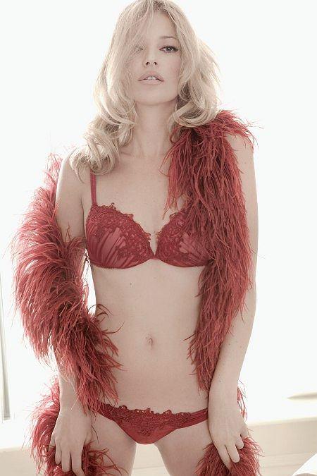 Kate Moss w sesji bielizny brazylijskiej marki Valisere