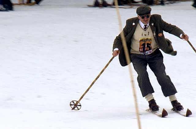 Jednym ze stałych elementów zimowego programu imprez w Szklarskiej Porębie jest Karkonoski Slalom Retro