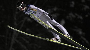 Kamil Stoch skacze po zwycięstwo w Klingenthal