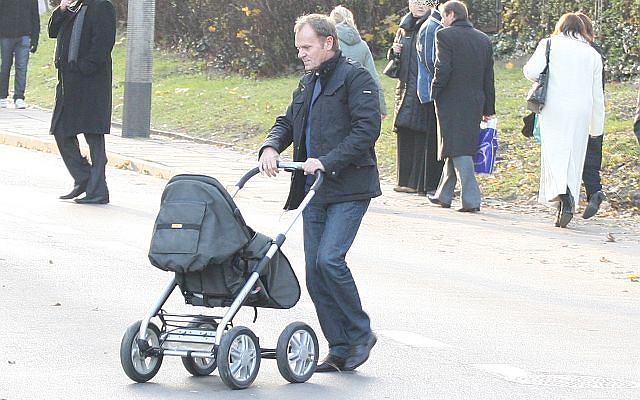 Donald Tusk wybrał się jakiś czas temu z całą rodziną na spacer po Gdańsku. Jak wiemy, premier mieszka w Trójmieście.