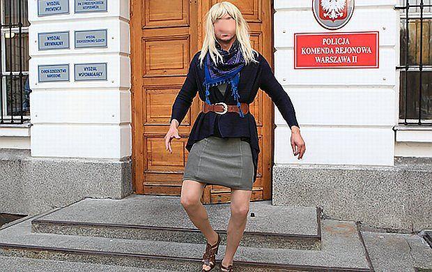 Tym znanym przystojniakiem, który wskoczył w damskie ciuszki jest... Lesław Żurek! Na szczęście powodem nie jest Dzień Kobiet, ale film