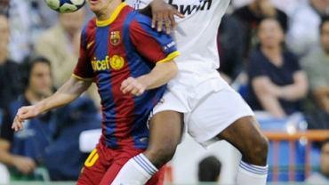 Lassana Diarra (z lewej) i Lionel Messi. Real - Barcelona w półfinale Ligi Mistrzów