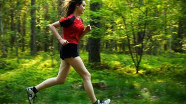 Biegam po lesie