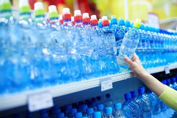 Czy wiesz, co pijesz? Ranking wód mineralnych, czyli co producenci woleliby przemilczeć