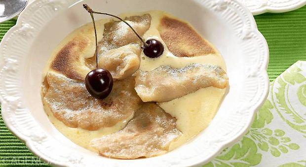 Pierogi z owocami: sześć przepisów na słodkie śniadania, obiady i kolacje