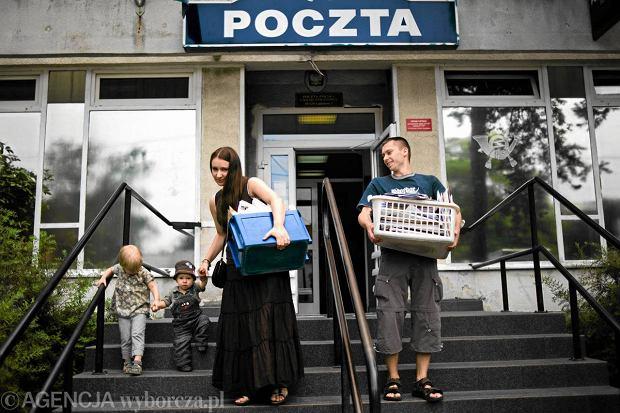 Karolina i Tomasz Elbanowscy z listami popierającymi obywatelski projekt ustawy w sprawie sześciolatków