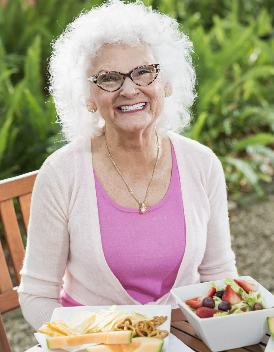 Jaka jest skuteczna dieta odchudzająca po 50. roku życia? Jadłospis i przepisy