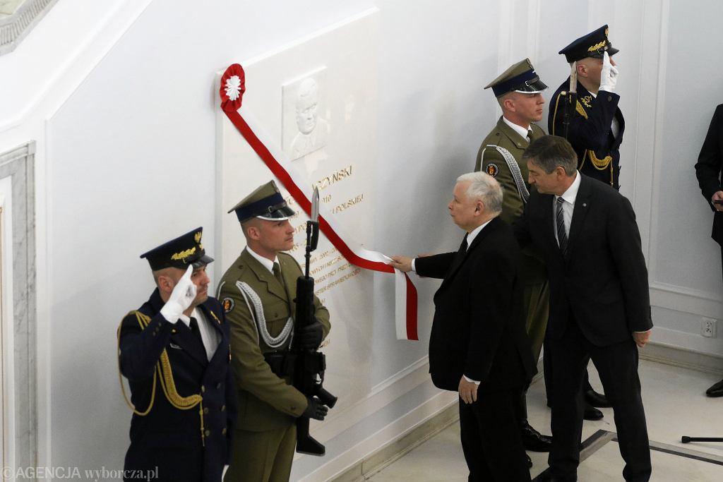 #Tablica Lecha Kaczynskiego w Sejmie