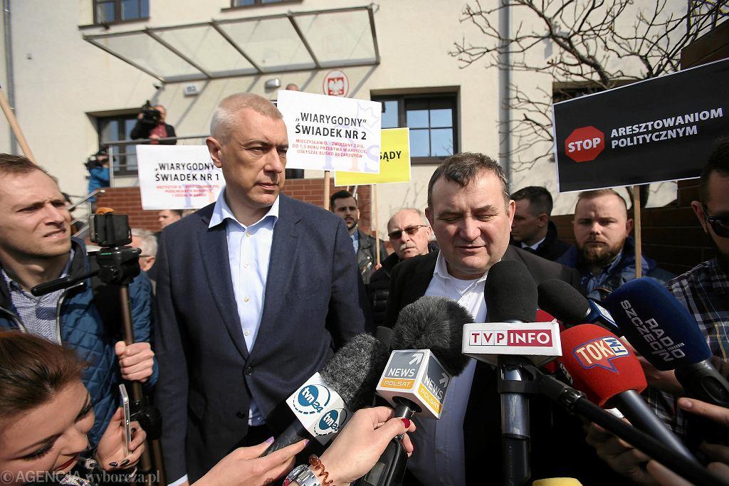 Stanisław Gawłowski i Roman Giertych przyjechali do Prokuratury Krajowej w Szczecinie