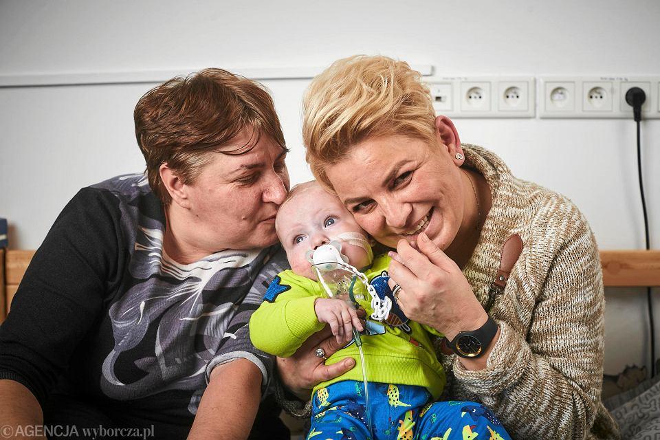 Babcia Agnieszka i babcia Basia z ukochanym Oskarem