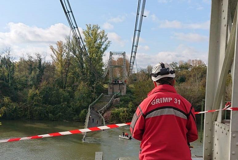 Francja: Zawalił się most wiszący na rzece Tarn