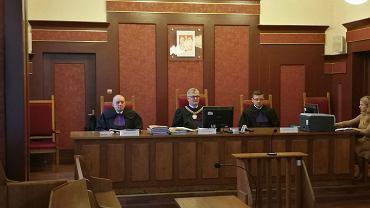 Katowice, sąd, sędzia Michał Marzec podczas uzasadniania wyroku